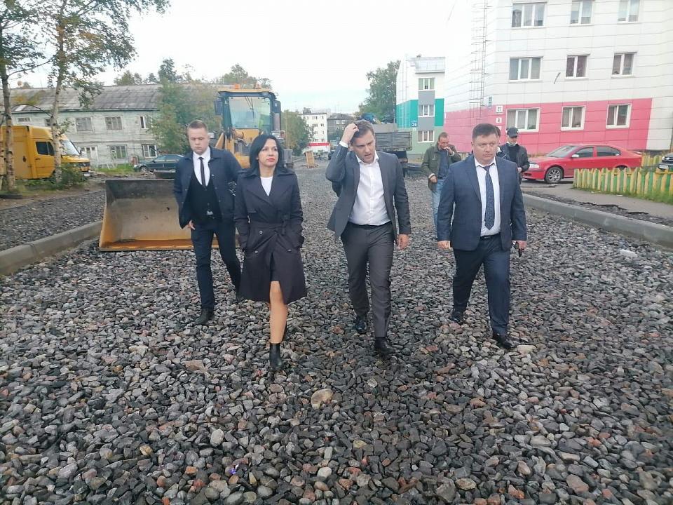 Оперштаб проверил дорожные работы в Мурманске